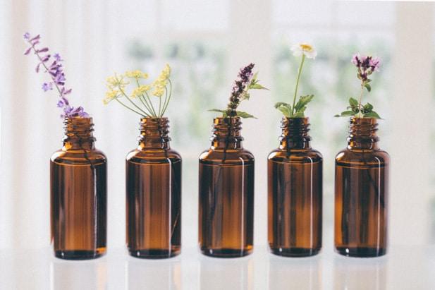 Huiles essentielles, Naturopathie